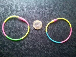 Modeschmuck 2x Armbänder Neon Gummi bunt NEU