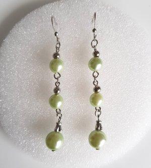 Orecchino di perle argento-verde pallido