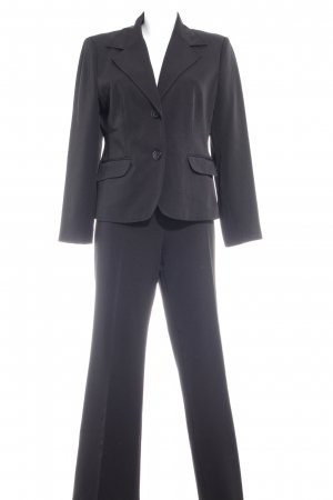 Modeszene Broekpak zwart zakelijke stijl