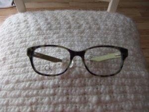 Modifizierte Calvin Klein Korrektionsbrille für zarte Nasen