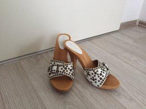 Modische Sandalen von Ralph Harrison