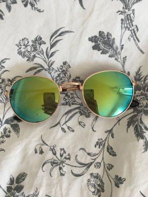 Modische Sonnenbrille Mango