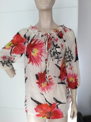 Modische, weite Bluse mit aktuellen Blumendesign