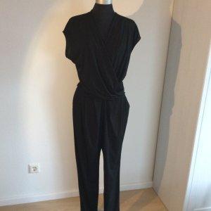 Modischer Jumpsuit / Overall in schwarz