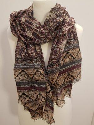 Modischer Schal von S.Oliver