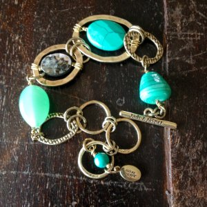 Modisches Armband von Jade &Jasper