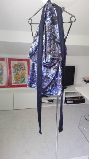 Modisches neckholder Kleid