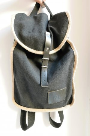 Mö's handcrafted backpack.
