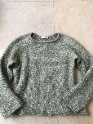 Pull en laine gris vert-kaki