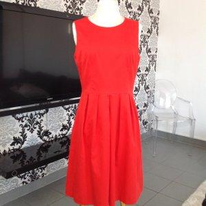 Mohn rotes Kleid von Boss, 38
