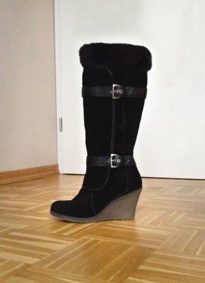 Mollige Stiefel mit Keilabsatz von Bare Traps