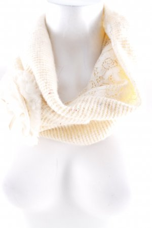 Molly bracken Tube Scarf cream casual look