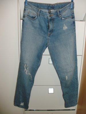 Mom Boyfriend Jeans