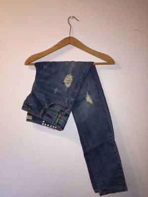 Mom-Jeans mit Auswaschungen