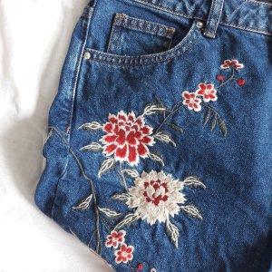 MOM Jeans mit Blumenstickerei 30 TOPSHOP