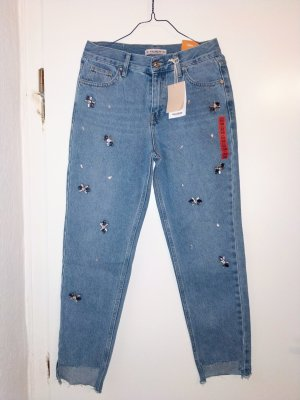 Mom Jeans mit Glitzersteinen