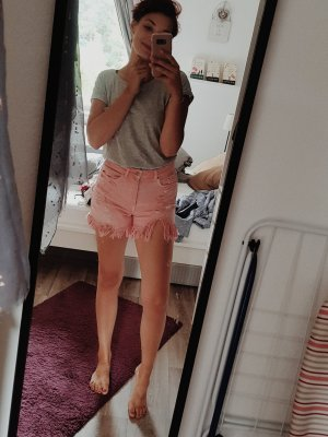 mom shorts zara mit rissen