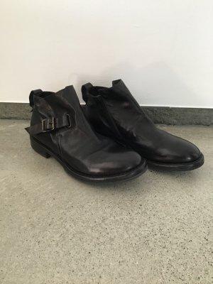 Moma Slip-on Booties black leather