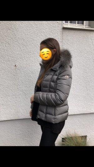 Moncler Daunenjacke Grau mit Echtfell