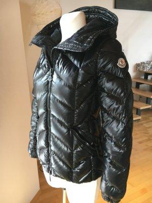 Moncler Daunenjacke mit Kapuze schwarz glänzend