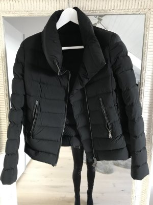 Moncler Jacke Daunenjacke komplett neu