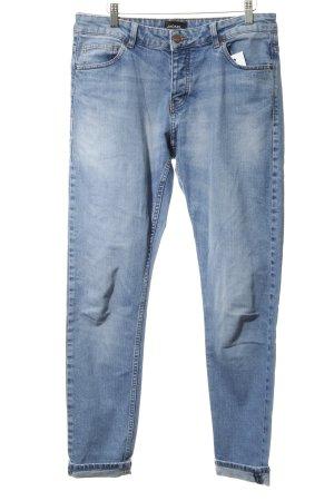 Monki Boyfriend Jeans light blue casual look