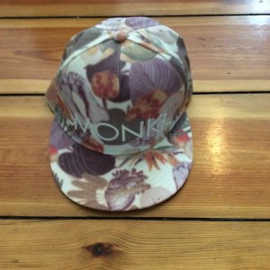 MONKI Cap in floralem Design