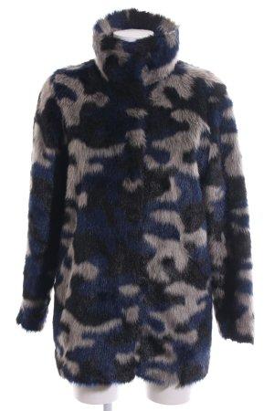 Monki Kunstfellmantel Camouflagemuster extravaganter Stil