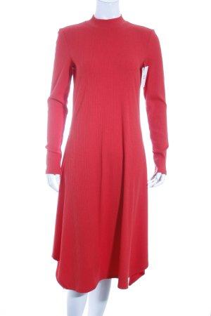Monki Midikleid rot Street-Fashion-Look