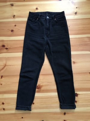 MONKI Mom Jeans High Top Waist schwarze Jeans Größe 26 Influencer Instagram Blogger