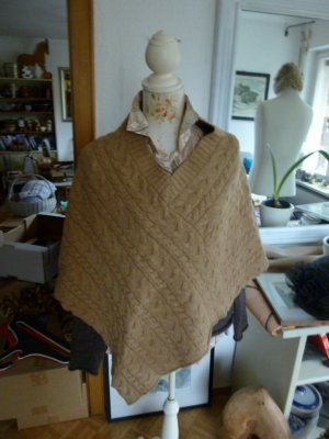 Montego Poncho Beige Wolle