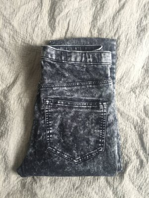 Moonwashed, high-waisted Jeans