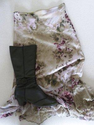 Moosgrüner Leder-Stiefel (ungefüttert) mit kleinem Absatz und Rundspitze