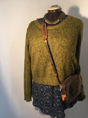 Moosgrüner Pullover von H&M