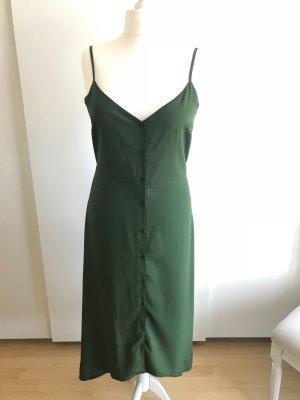 Moosgrünes Sommerkleid