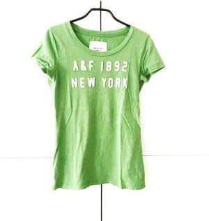 moosgrünes t - shirt von A&F