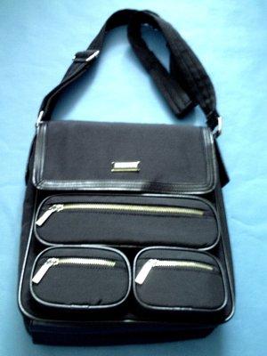 More & More schwarze Damentasche Schultertasche Umhängetasche schwarz