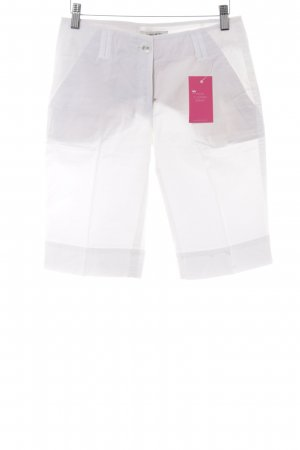 More & More Shorts white casual look