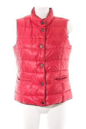 More & More Quilted Gilet red wet-look