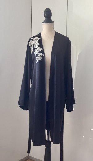 Dressing Gown black-white
