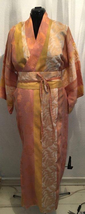 Morgenmantel im Kimono-Stil