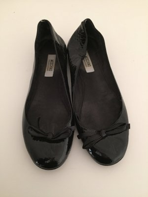 Moschino Cheap and Chic Bailarinas de charol con tacón negro