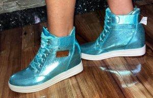 Moschino Sneacker in gr 39 Farbe Türkis Blink Blink Neu