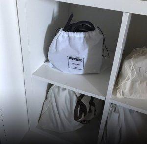 Moschino Tasche mit Etikett