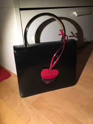 Moschino Tasche Schultertasche schwarz Lackleder Herz wie neu mit Staubbeutel