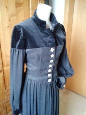 Mothwurf festliches Kleid