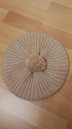 Sombrero de punto beige