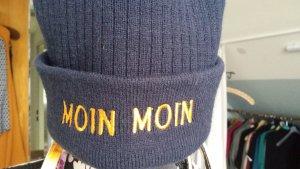 Chapeau en tricot bleu foncé