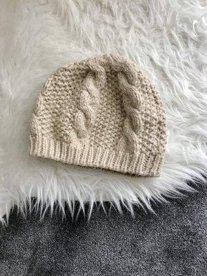 Sombrero de punto crema