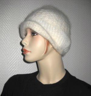 Chapeau en tricot blanc laine